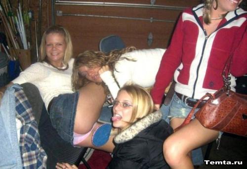 такого пьяные студентки и парень низко, хотя уважения